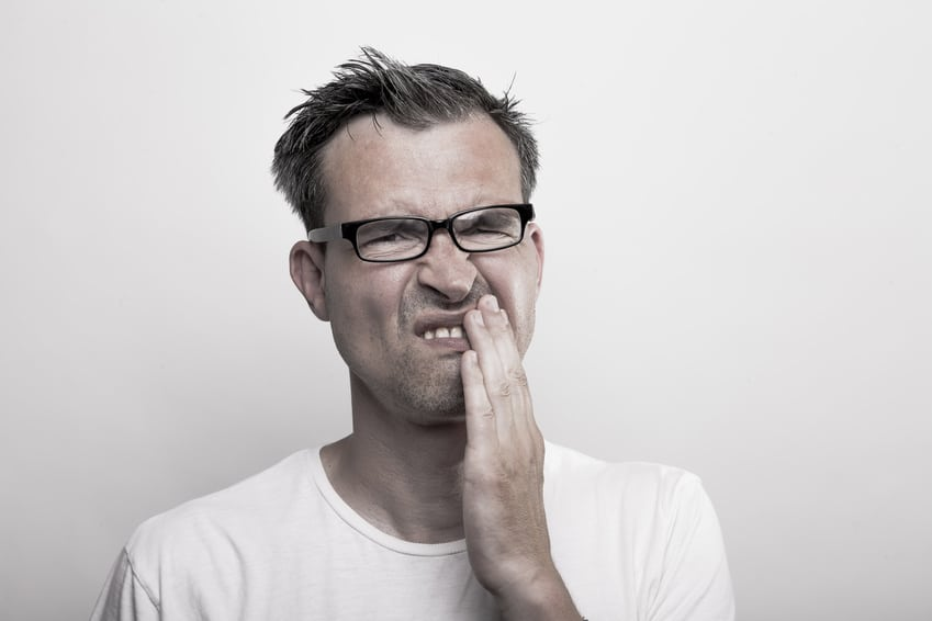 Mann mit zahnarztangst